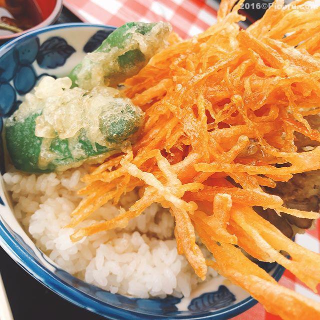 お昼は舞茸丼