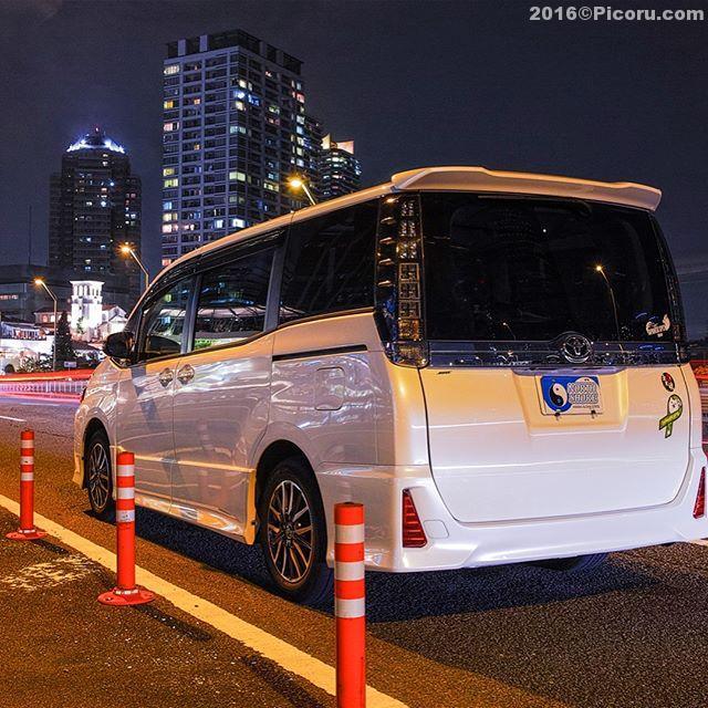 以前横浜で撮影した我が家の車ヴォクシー#トヨタグラム